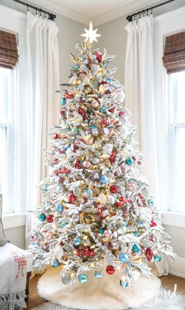 Modern Christmas Trees Decorated.Christmas Decorating Ideas Flocked Christmas Tree