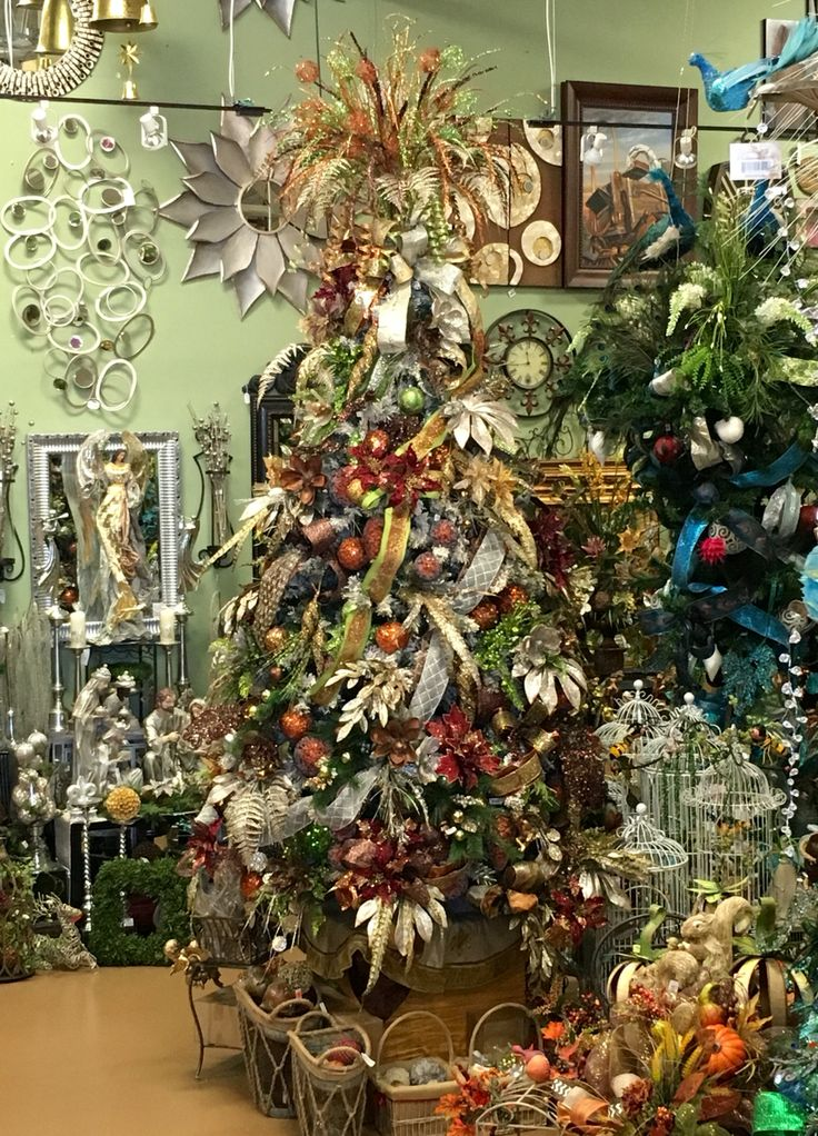 Description Rustic Christmas Tree Designed By Arcadia Floral And Home Decor